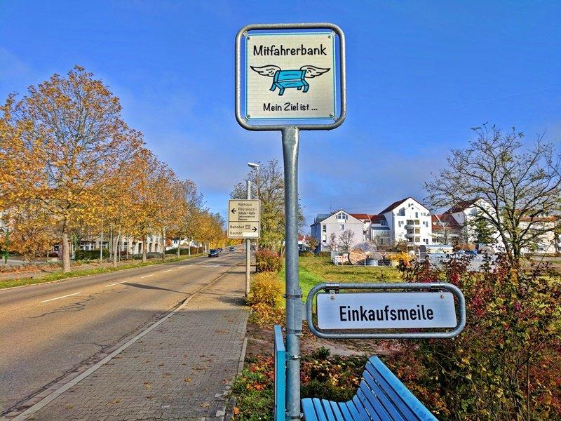 Die Graben-Neudorfer Mitfahrbank - Hot or Not?
