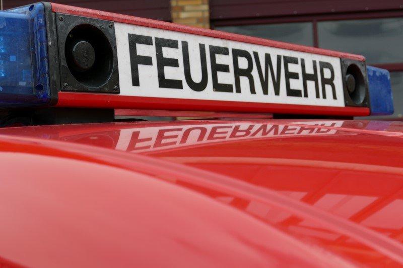Sulzfeld: Fahrlässige Brandstiftung zieht Großeinsatz nach sich