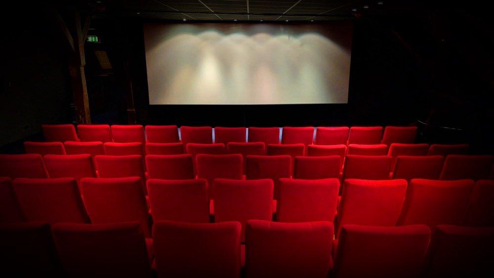 Open-Air-Kino im Freibad Östringen